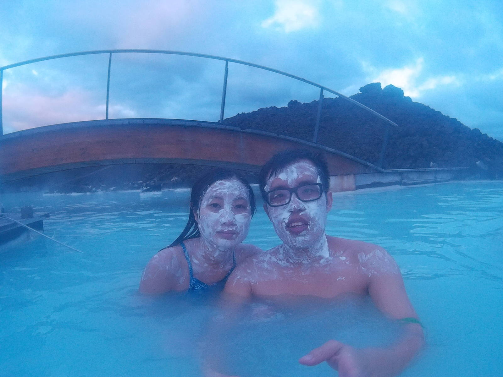 Blue Lagoon Silica Mud Mask Welfie