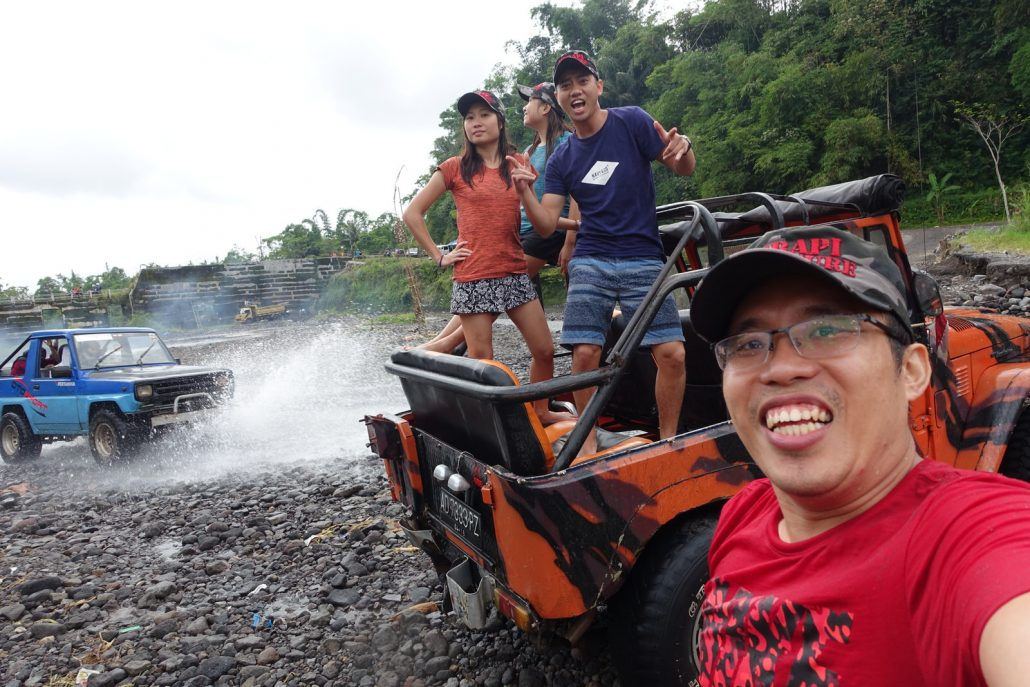Yogjakarta Merapi Water Splash Welfie
